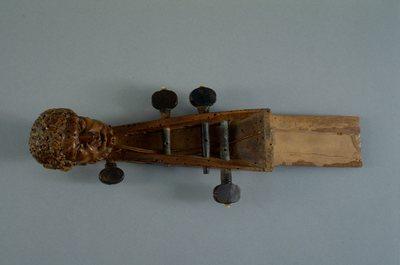 Tête de basse de viole à sept cordes