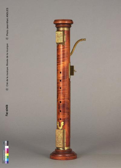 Fac-similé d'une flûte colonne ténor de Hans Rauch von Schratt (E.127, Musée de la musique, Paris)