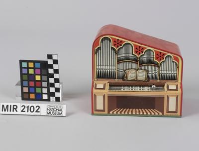 Spieldose in Orgelform