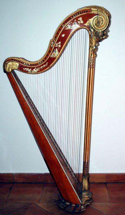Harpe à pédales décor chinois
