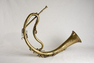 Bugle à clefs en demi-lune