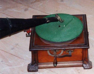 Gramophone Modèle B