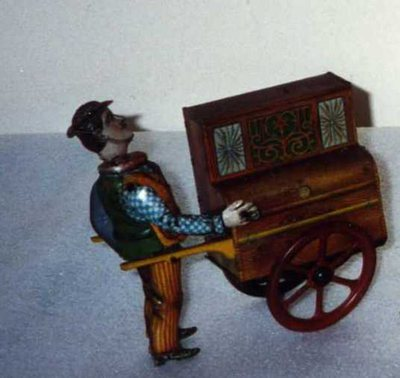 Piano mécanique sur charrette à bras