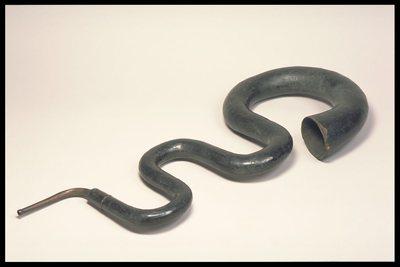 Serpent courbé d'église
