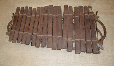 Balafon sur cadre Tembo 17 lames