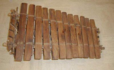 Balafon sur cadre 12 lames