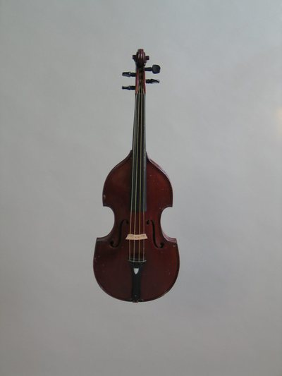 Violon forme viole