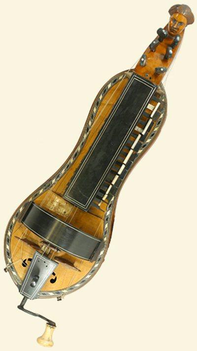 Vielle à roue forme atypique