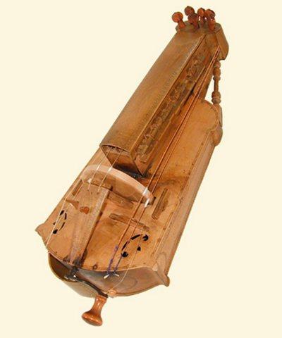 Vielle à roue trapézoïdale à colonettes
