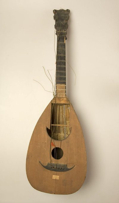 Guitare-luth