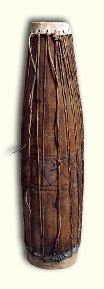 Tambour galbé à deux peaux
