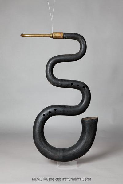 Serpent d'église courbé