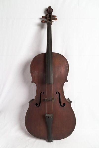 Violoncello and bow