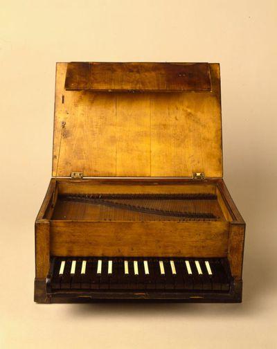 Sewing box piano