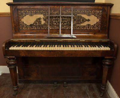 Upright pianoforte