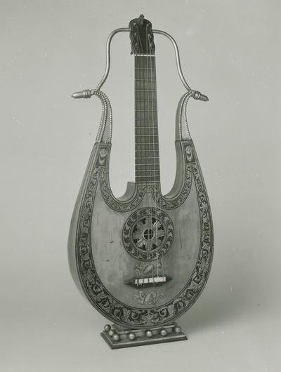 Apollo lyre