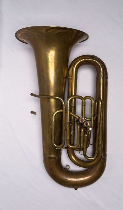 Bass tuba (low B flat)