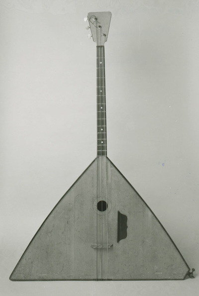 Bass balalaika