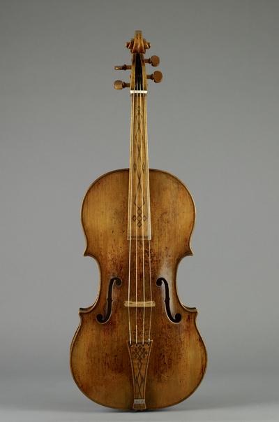 Charles IX' viola