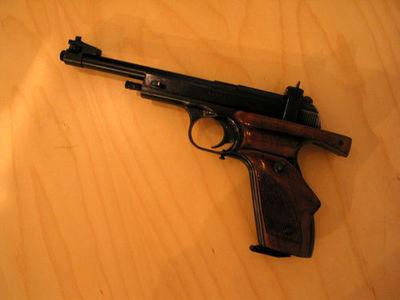 väiksekaliibriline püstol
