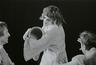 Foto (negatiivikogu). Epp Pillarpardi Punjaba potitehas. (Peet Vallak - Mati Unt). Vanemuine 1975. Tiiskäpp - Ago Roo, Epp Pillarpart - Hilja Varem, Niilas - Aarne Üksküla. Foto Gunnar Vaidla.