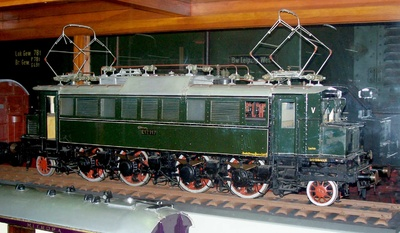 Elektrische Schnellzuglok E 17 117 DB, Modell 1:10