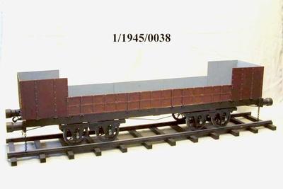 Vierachsiger, offener Güterwagen vom SAXONIA-Zug (Nachbau), Modell 1:10