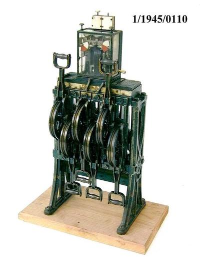 Weichen- und Signalstellwerk Siemens, Steigbügel, Modell 1:5