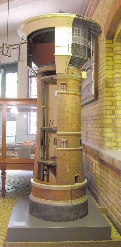 Wasserturm Bauart Intze auf dem Bahnhof Altona, Modell 1:10