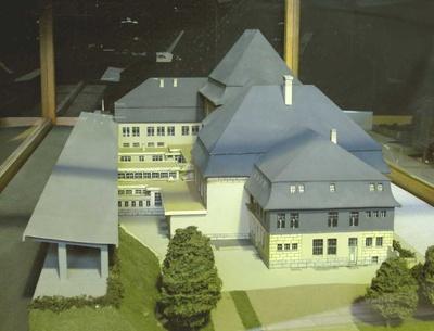 Empfangsgebäude Bahnhof Mülheim am Rhein bei Köln, Modell 1:100