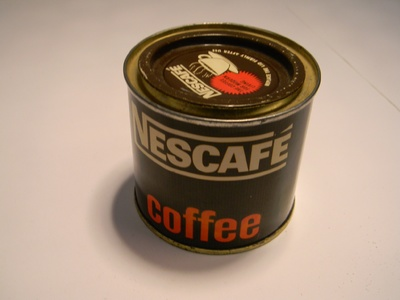Nescafé instant kávé doboza