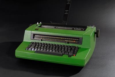 IBM Kugelkopfschreibmaschine 196 C Mod. 6704