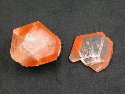 Bergkristall mit rotem Rand