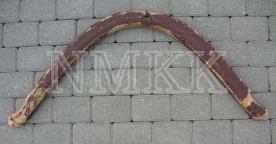 <em>Zirga loks, koks arvidū iestiprinātu dzelzs riņķi, krāsots sarkanbrūns</em>