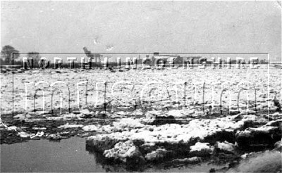 A frozen River Trent at Flixborough in January 1940