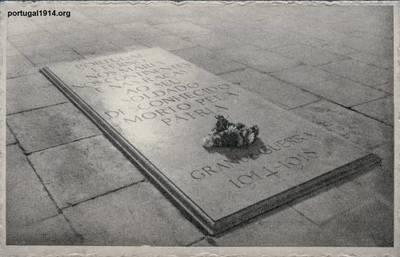 Colecção de Postais de Manuel Tomás Fernandes Pereira - Homenagens a Soldados e Tumulamentos