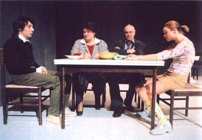 Marius von Mayenburg, Ognjeni obraz, Mestno gledališče ljubljansko, 2000/01. Fotografija 146