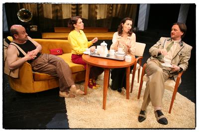 Noël Coward, Intimna komedija, Drama SNG Maribor, 2005/2006. Fotografija 3