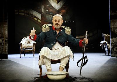 Nikolaj Vasiljevič Gogolj, Revizor, Drama SNG Maribor, 2013/14. Fotografija 84