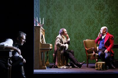 Mihail Bulgakov, Mrtve duše, Drama SNG Maribor, 2013/14. Fotografija 87