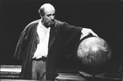 Bertolt Brecht, Galilejevo življenje, Mestno gledališče ljubljansko, 1996/97. Fotografija 12