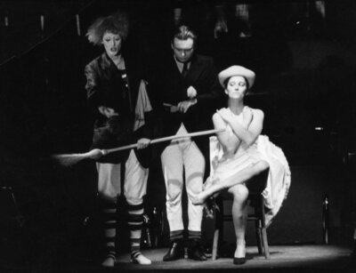 Eugène Ionesco, Učna ura, Akademija za gledališče, radio, film in televizijo, 1981/82. Fotografija 54