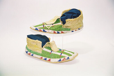 Sioux Indian Tribe-men's moccasins.