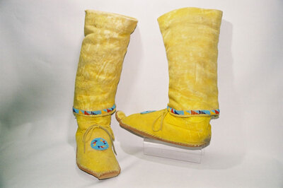 Men's boots; 'cactus kicker'; Apache Indian tribe.
