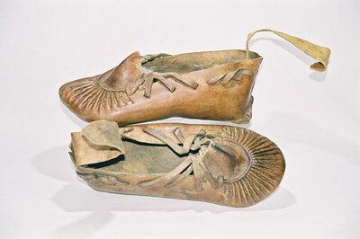 Men's 'Wu-La' shoes.