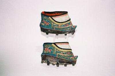 Ladies bound feet Mud-shoes.