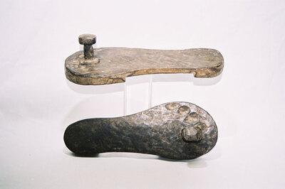 Bamun tribe - Toeknob Sandals.