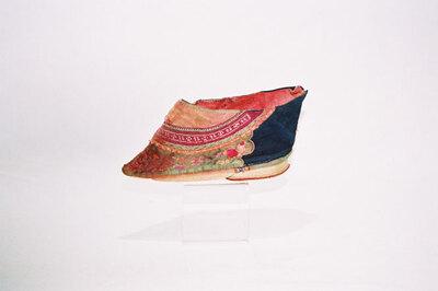 Ladies bound feet shoe - 'Jin Lian'.