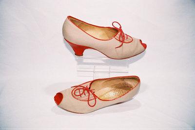 Ladies shoes with peep toe.