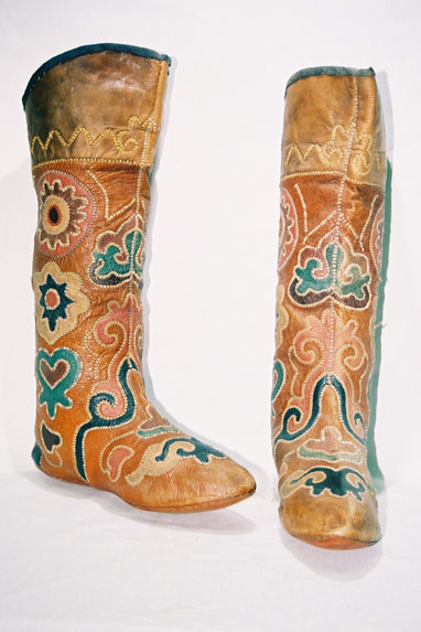 Crimean Tatar tribe. Ladies boots
